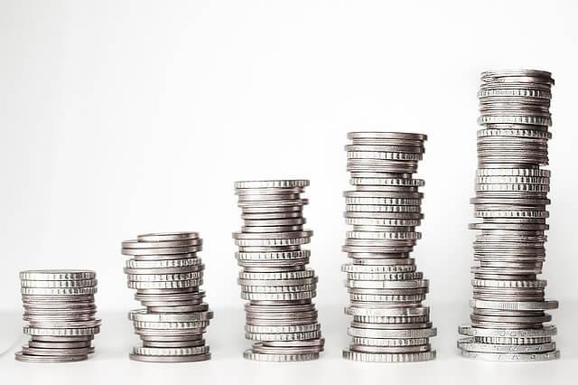 En sparekalkulator regner ut hvor mye man sparer over tid